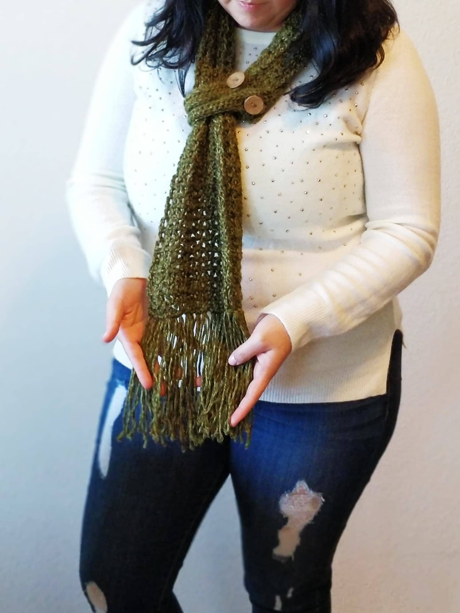 buttoned scarf green